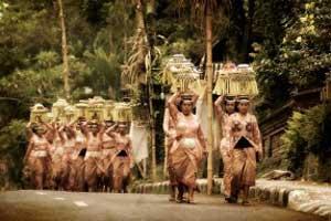 Seminyak Bali 300x200 Tempat Wisata Di Bali