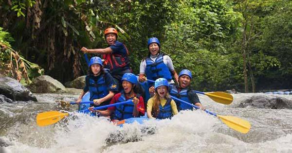 Aktivitas Rafting Sungai Ayung Ubud