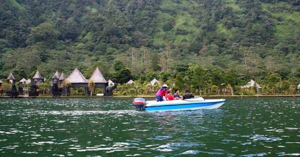 Naik Speed Boat Danau Beratan