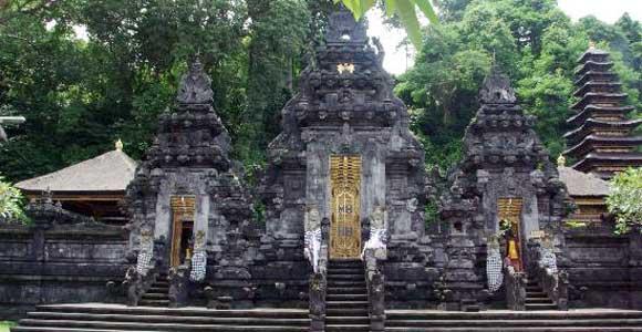 Pura Goa Lawah Klungkung Bali