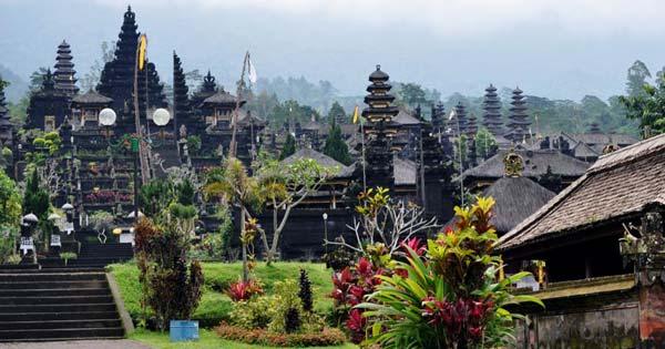 Pura Besakih Karangasem Bali