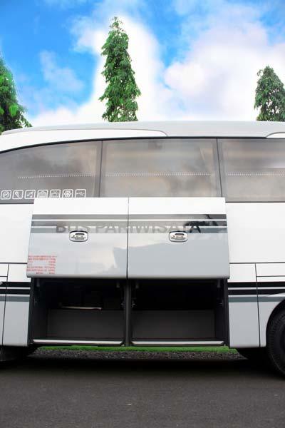 eksterior bus 3