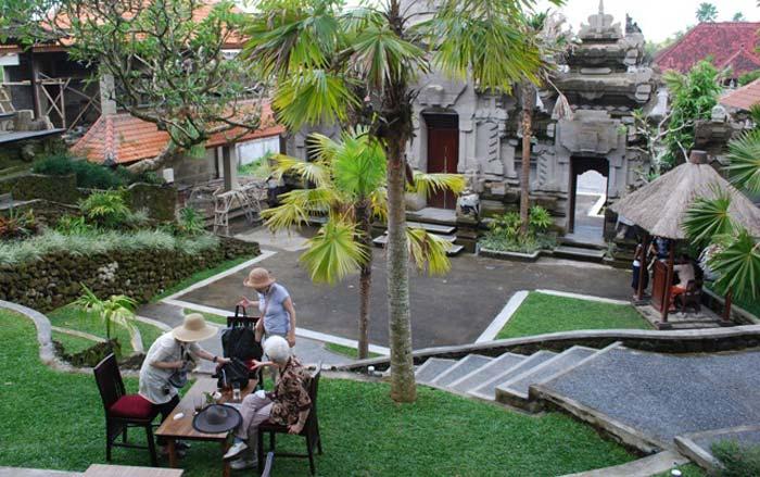 Halaman Depan Museum