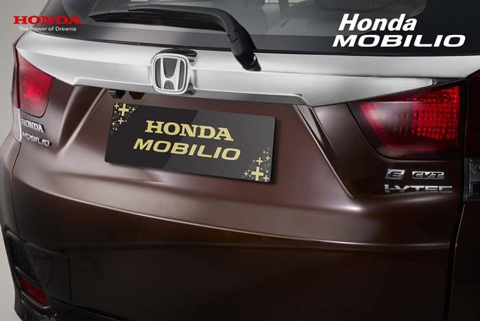 Tampak Belakang Honda Mobilio Indonesia