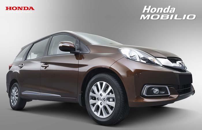 Tampak Samping Depan Honda Mobilio Indonesia