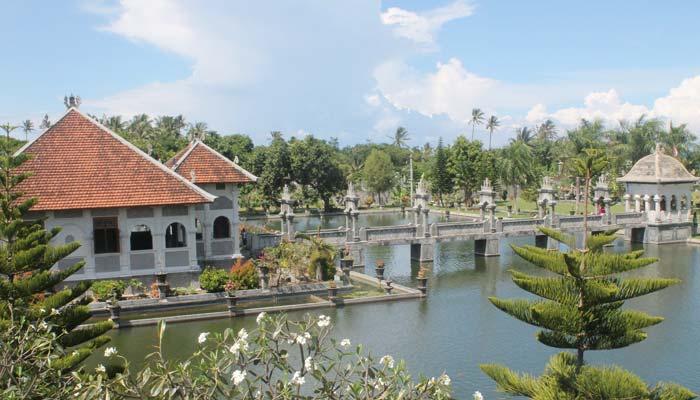 Istana Peristirahatan Raja Karangasem