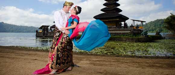 danau beratan pre wedding bali - 10 tempat prewedding di bali