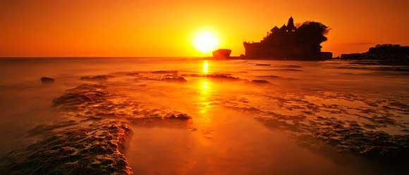 Matahari Terbenam Di Tanah Lot