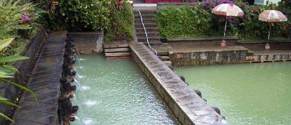 kolam renang air panas di bali