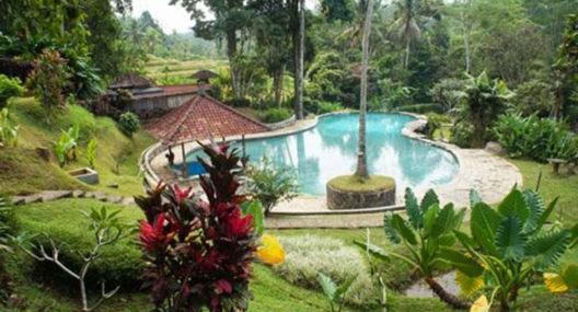Kolam Air Panas Penatahan Tabanan Yeh Panes Bali