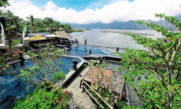 Pemandian Air Panas Di Bali