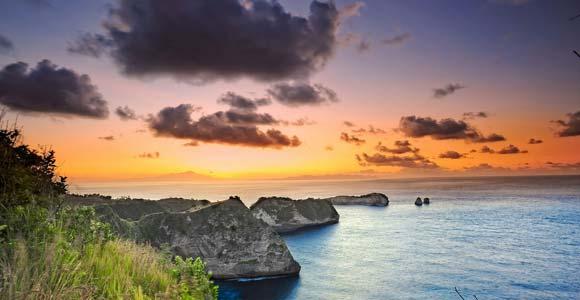 Sunrise Pantai Atuh Nusa Penida