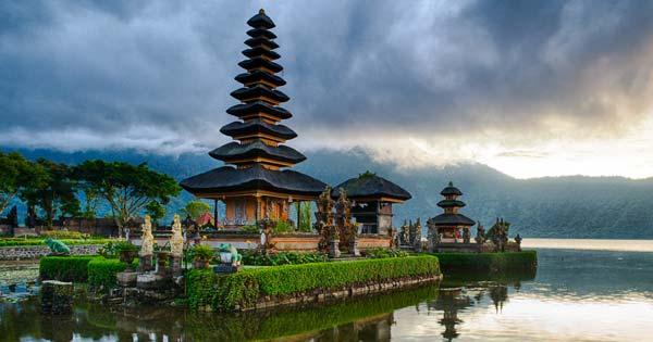 Objek Wisata Pura Ulun Danu Bedugul - Tempat Wisata Favorit Bali