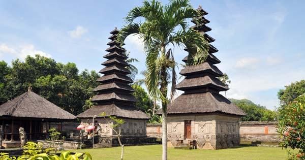 Pura Taman Sari Tempat Wisata Di Klungkung