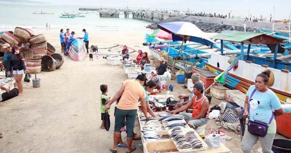 Pasar Ikan Tepi Pantai Kedonganan