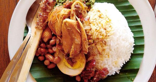 Menu Warung Nasi Ayam Kedewatan Ibu Mangku Ubud - paket wisata air terjun tegenungan ubud half day