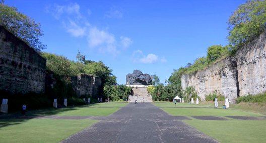 Lotus Pond Garuda Wisnu Kencana Bali