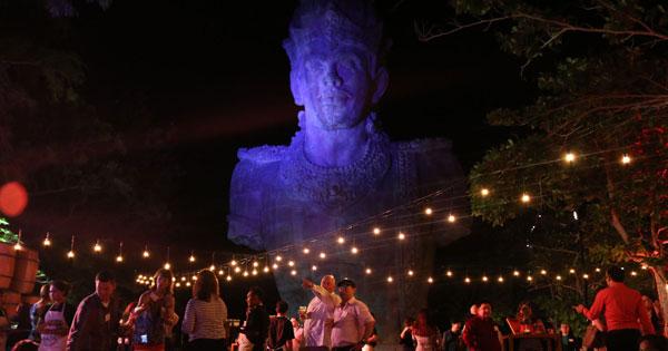 Taman Budaya GarudaWisnu Kencana Malam Hari