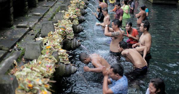 Pura Tirta Empul Tampak Siring Bali