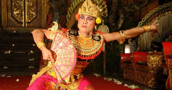 Tari Bali Pura Saraswati Ubud