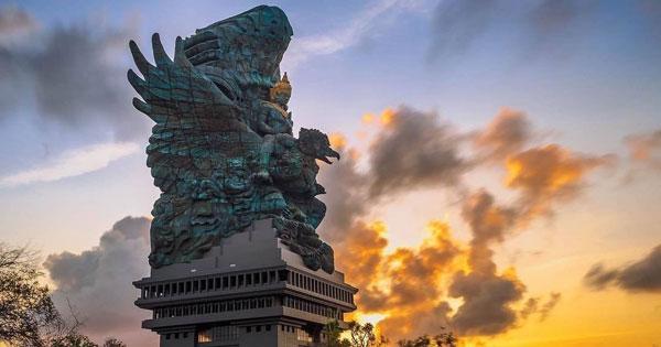 Patung Garuda Wisnu Kencana Ungasan Bali