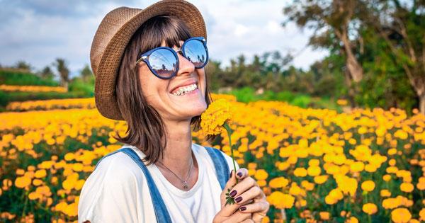 Topi & Sunglasses