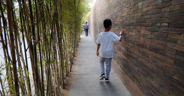Go For a Walk With Family on Jalan Kayu Aya Seminyak
