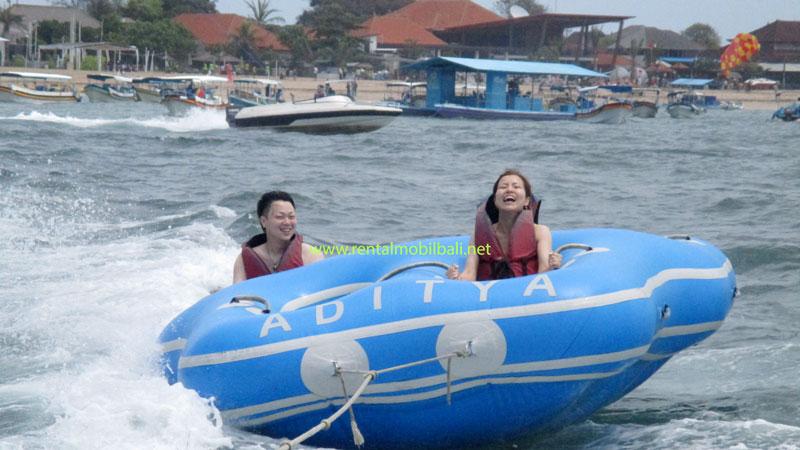 Rolling Donut Wahana Watersports Di Tanjung Benoa