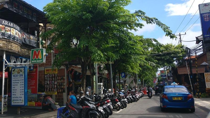 Jalan Legian Bali