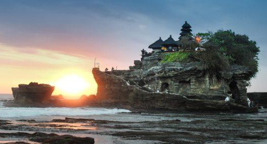 Sunset Pura Tanah Lot Bali