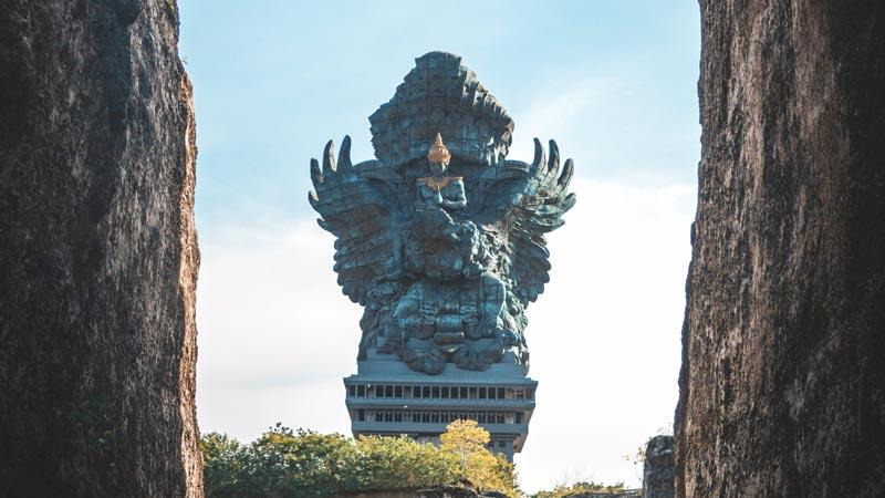 Tempat Wisata Di Bali GWK
