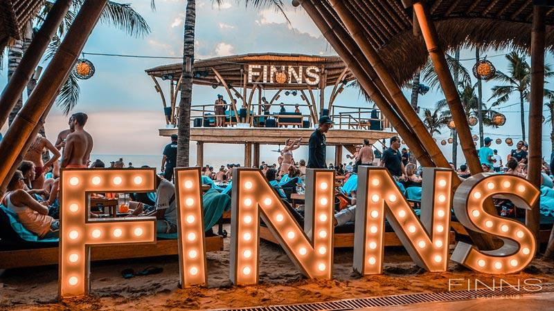 Nongkrong di Finn's Beach Club Canggu