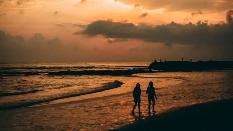 Pemandangan Sunset Di Pantai Canggu