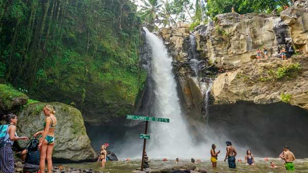 Daya Tarik Tegenungan Waterfall