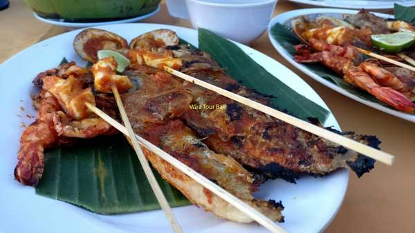 Hidangan Seafood Bakar Pantai Jimbaran Bali