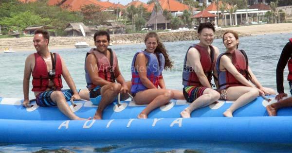 Apa Itu Permainan Perahu Karet Banana Boat